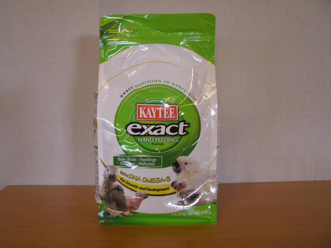 Kaytee Products Dokrmovací směs Exact Hand Feeding All Baby Birds s DHA 2,27 kg