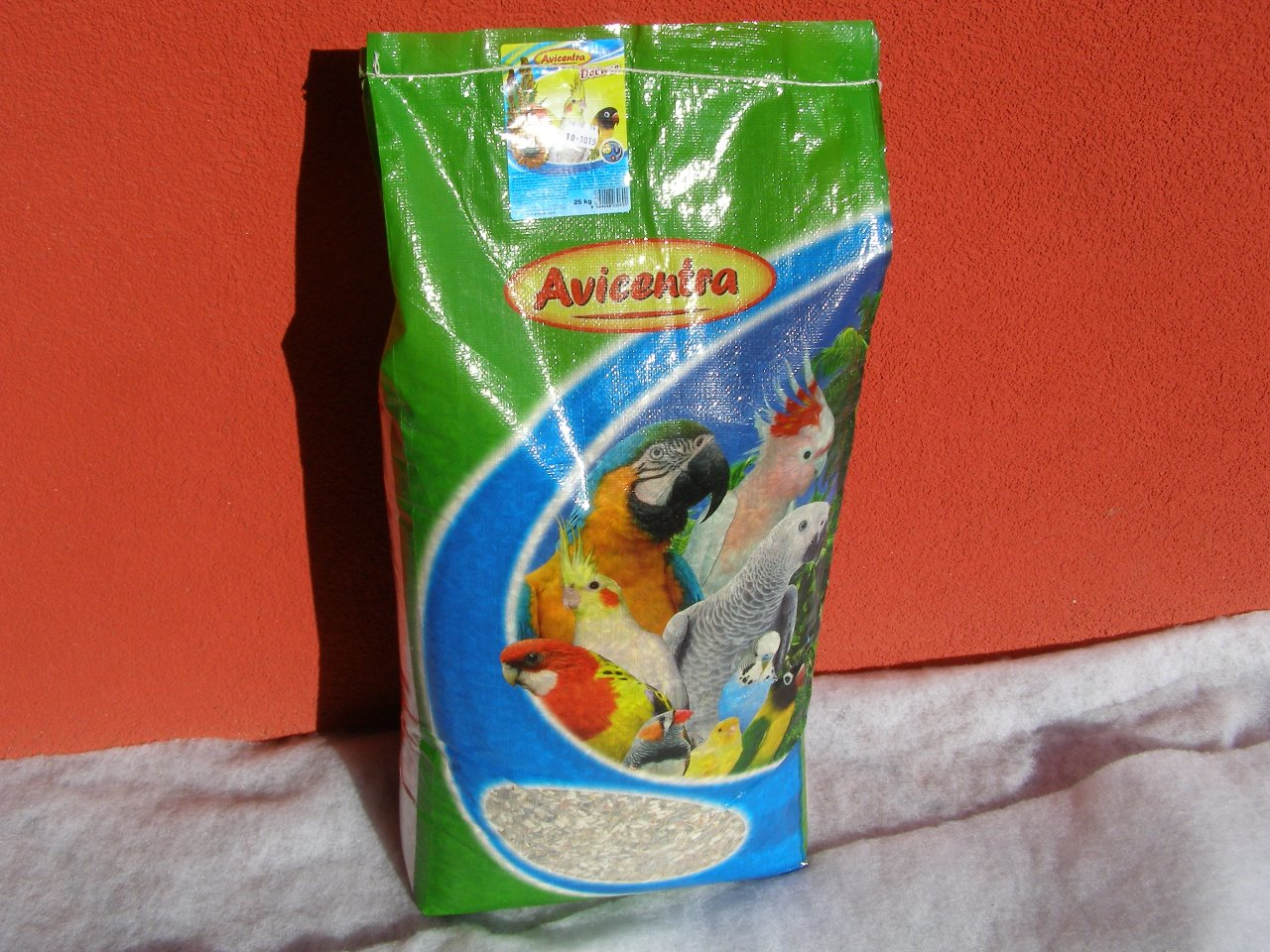 Avicentra s.r.o. Malý a střední papoušek delux 25 kg